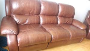 Divan 3 places en cuir et fauteuil