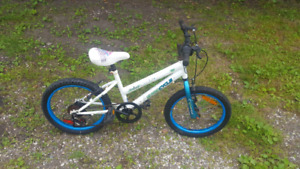 2 girls bikes for sale. need gone. 20$ each