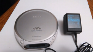 SONY CD WALKMAN D-EJ360 G-PROTECTION SILVER WITH AC POWER SUPPLY