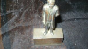 ANTIQUE AMAZING BRONZE ENGRAVED STATUE ABRAHAM LINCOLN Kitchener / Waterloo Kitchener Area image 3