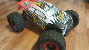 Thunder tiger mt4 g3 1/8 brussless rc truck