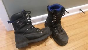 Dakota 557 Viper steel toe boot Size 9.5