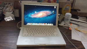 White Macbook with Wecam, DVD and Wireless for Sale