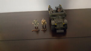 MEGA BLOKS Call of Duty Half Track Ambush with Mini Figures Kitchener / Waterloo Kitchener Area image 1