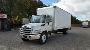 2012 HIno 268 G licence 24 ft. box low mileage Warranty!!!!!!!!!