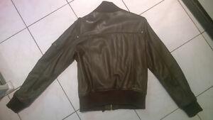 Very nice jacket real lamb leather -veste en vrai cuir doux Gatineau Ottawa / Gatineau Area image 4