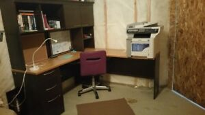 L-Shaped Corner Desk with Hutch