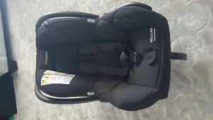 Maxi Cosi Mico AP air protect-black with two bases