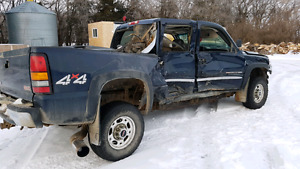 04 Chevy 2500HD 4×4 parts