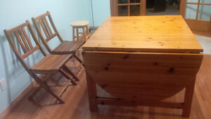 Dining table and chairs Kitchener / Waterloo Kitchener Area image 2