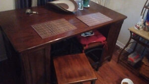 Kitchen table and chairs in great condition