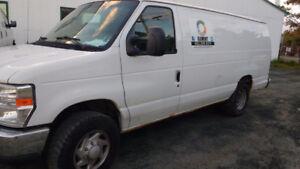 2008 Ford E-250 Minivan, Van