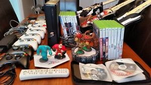 Xbox 360 - 40+ jeux/games - 5 manettes/controllers