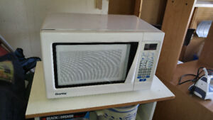 Microwave Oven - Danby