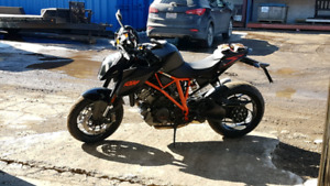 KTM SUPERDUKE 1290R ABS