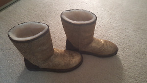 Womens size 11 Uggs