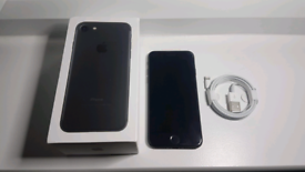 Good Condition Unlocked iPhone 7 Black 128gb with Brand New Charger