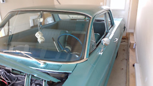 CHEVROLET BISCAYNE 1964 2 PORTES 350 CH. COMME NEUF