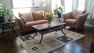 >CONTEMPORARY/MODERN LEATHER LOVESEAT, CHAIR, SLATE TILE TABLES<
