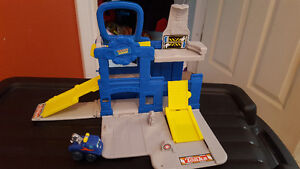 Truck Take-n-Play comes with one car and fold up playset