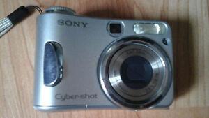 Sony Cybershot DSCS90 4.1 MP Digital Still Camera 3x Zoom $60