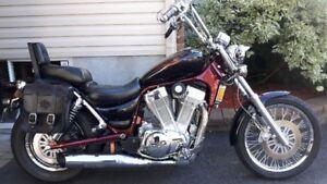 moto suzuki intruder VS 1400 impeccable