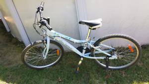 Vélo , bicyclette LOUIS GARNEAU-Stella