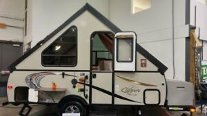 2015 Clipper Camping Trailers V12RBST with power lift