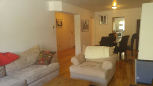 5 1/2 apartment for rent on Queen Mary - Coolbrook