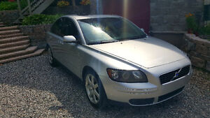 ** 2005 Volvo S40 ** Must Go.