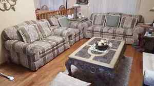 Living room set in very good condition
