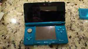 Nintendo 3DS with 7 games and accessories.