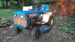 Bolens / ford lawn mower tractor for sale Kitchener / Waterloo Kitchener Area image 2