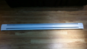 1750 Watt electric baseboard heater