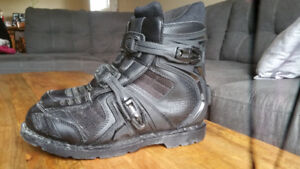 ICON BOOTS SIZE 12