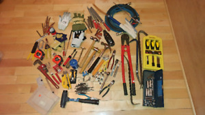 BEAUCOUP D'OUTILS