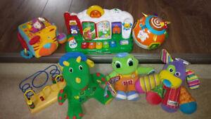 Jouets pour bébés et enfants