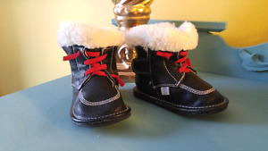 Jack & Lily Toddler Booties Size 5 (unisex)