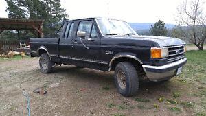 1989 Ford F-150 Lariat Pickup Truck