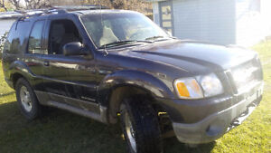 2002 Ford Explorer SUV, great 4x4  winter readyt