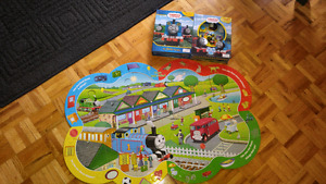 Thomas busy book & look and find