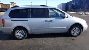 2011 Kia Sedona Minivan, Van