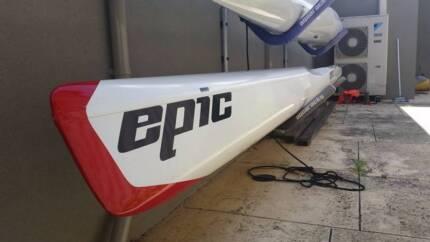Epic V10 Canoe - Carbon Fibre