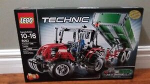 RARE AND RETIRED Lego technic tractor with trailer SEALED