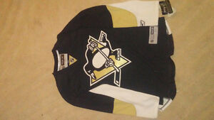 BRAND NEW PITTSBURGH PENGUINS RBK JERSEY