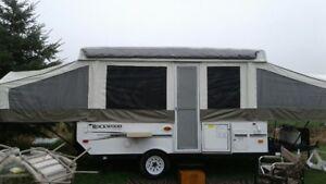 2011 Rockwood power pop up tent trailer