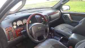 Parting out 2002 Jeep Grand Cherokee  Cambridge Kitchener Area image 2