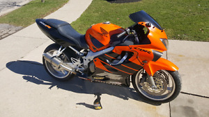 Parting out CBR 600 F4