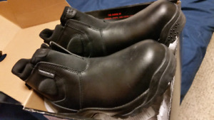 Brand New Men's Quality Boots
