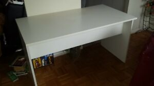 White Desk - In Good Condition
